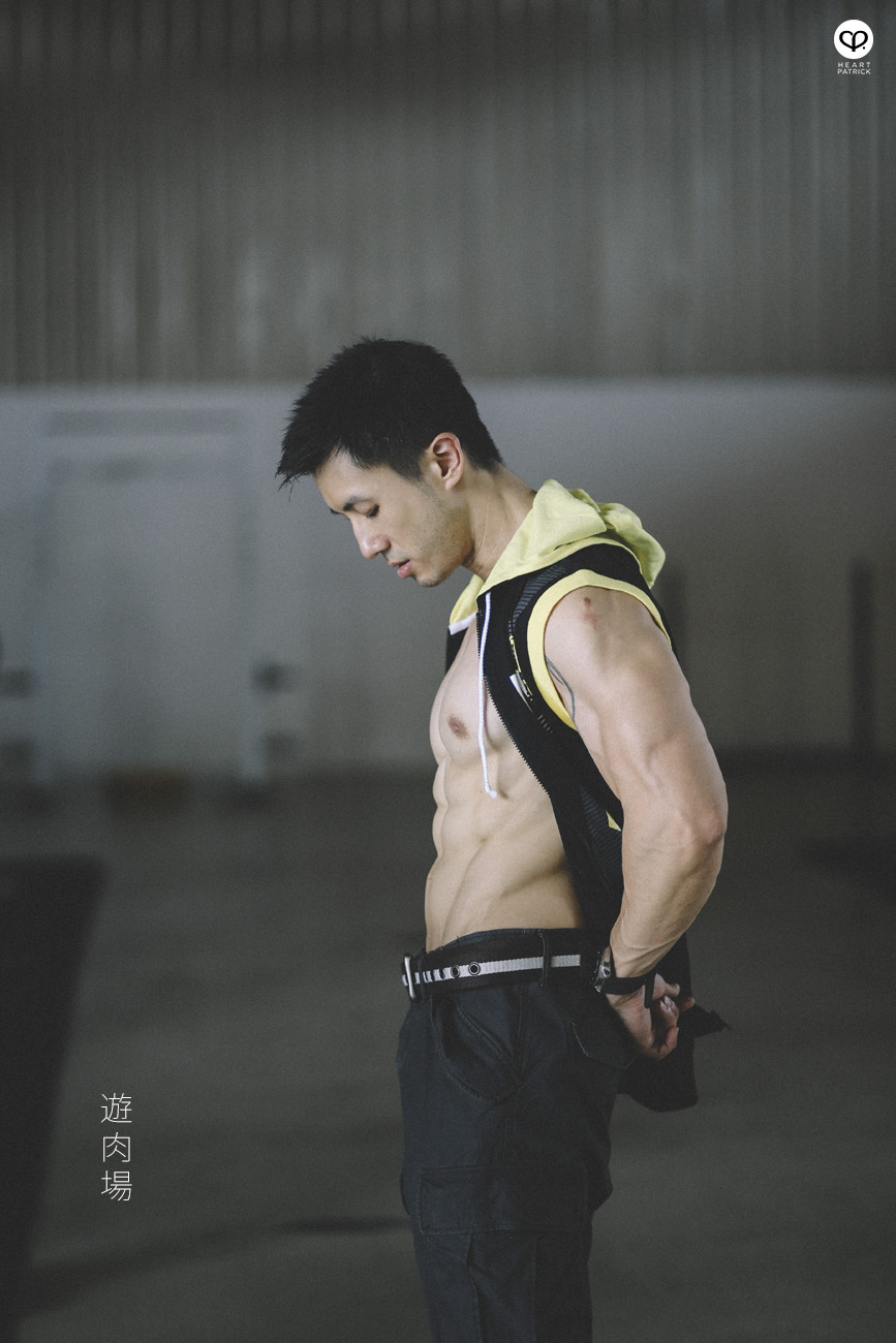 asian male portrait bodybuilding powerlifting gym fitness sixpack